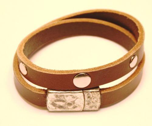 Armbånd med magnetlås (Brunt)